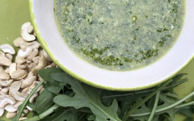Rocket pesto with cashew nuts